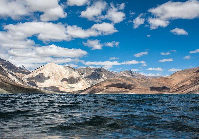 चीन और भारत ने लद्दाख के एक विवादित इलाके से पूरी तरह से हटाई अपने सेनाएं- सूत्र